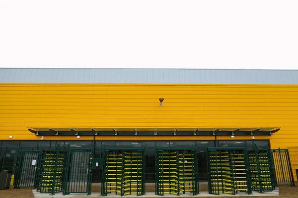 Retail-unit-warehouse-case-study-Versa-Street-furniture-20